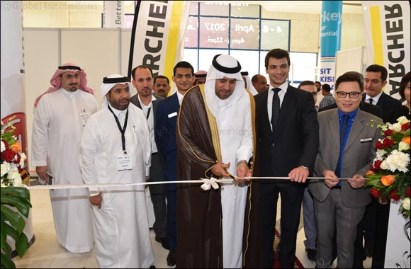 Mohammad A. Al-Amri, GM of the SCTH in Makkah Province, Jeddah opens The Hotel Show Saudi Arabia and Stone & Surface